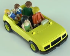 1ere etape histoire voiture tenir crayon