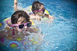 piscine enfant surveillance blog papa ratatam vacances